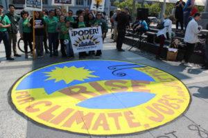 Wolontariat Naakcji Rise For Climate Podczas Festiwalu Organizacji Pozarządowych